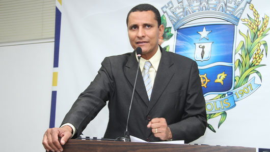 Sargento Pereira Júnior parabeniza servidores da saúde, e critica falta de medicamentos