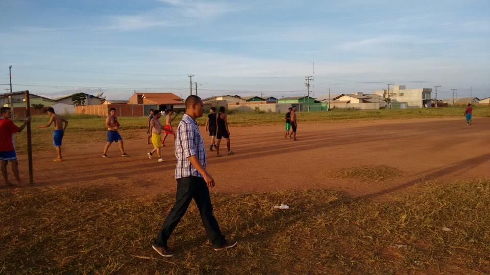 Visita ao campo de futebol do Residencial Aldeia dos Sonhos