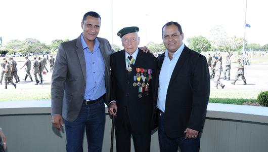 Sgt. Pereira Júnior e Gleimo Martins participam do Dia da Vitória na Base Aérea de Anápolis
