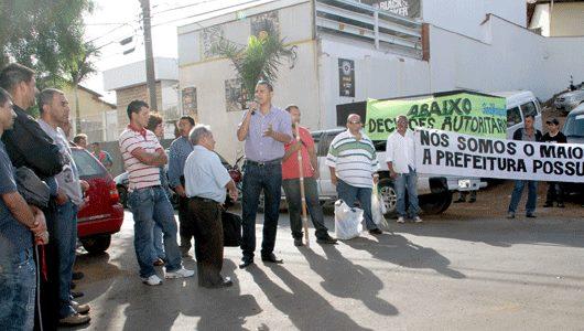 Sargento Pereira Júnior marca presença em manifestação dos vigias noturnos