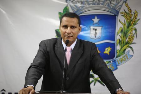 Vereador Sargento Pereira Júnior volta a falar sobre reajuste de funcionários públicos em sessão
