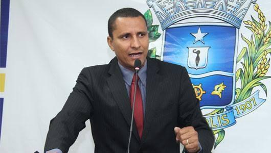 Sargento Pereira Júnior anuncia reforma da Escola Municipal Edine Rodrigues Gomes