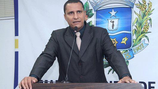 Sargento Pereira Júnior informa sobre cobrança para execução de obras em setores diversos